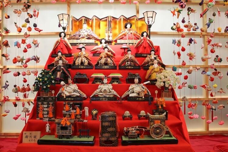 Búp bê truyền thống Nhật Bản