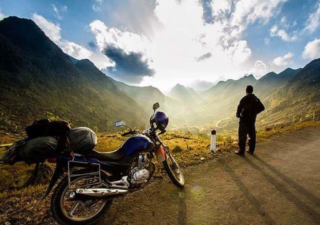 Kinh nghiệm phượt xuyên Việt bằng xe máy cần chuẩn bị những gì
