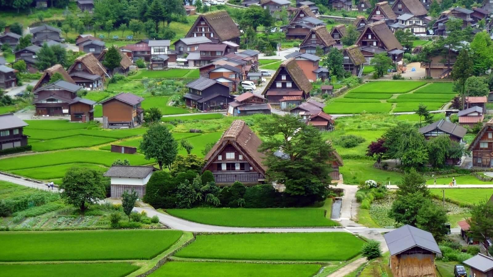 Shirakawa-go và Gokayama