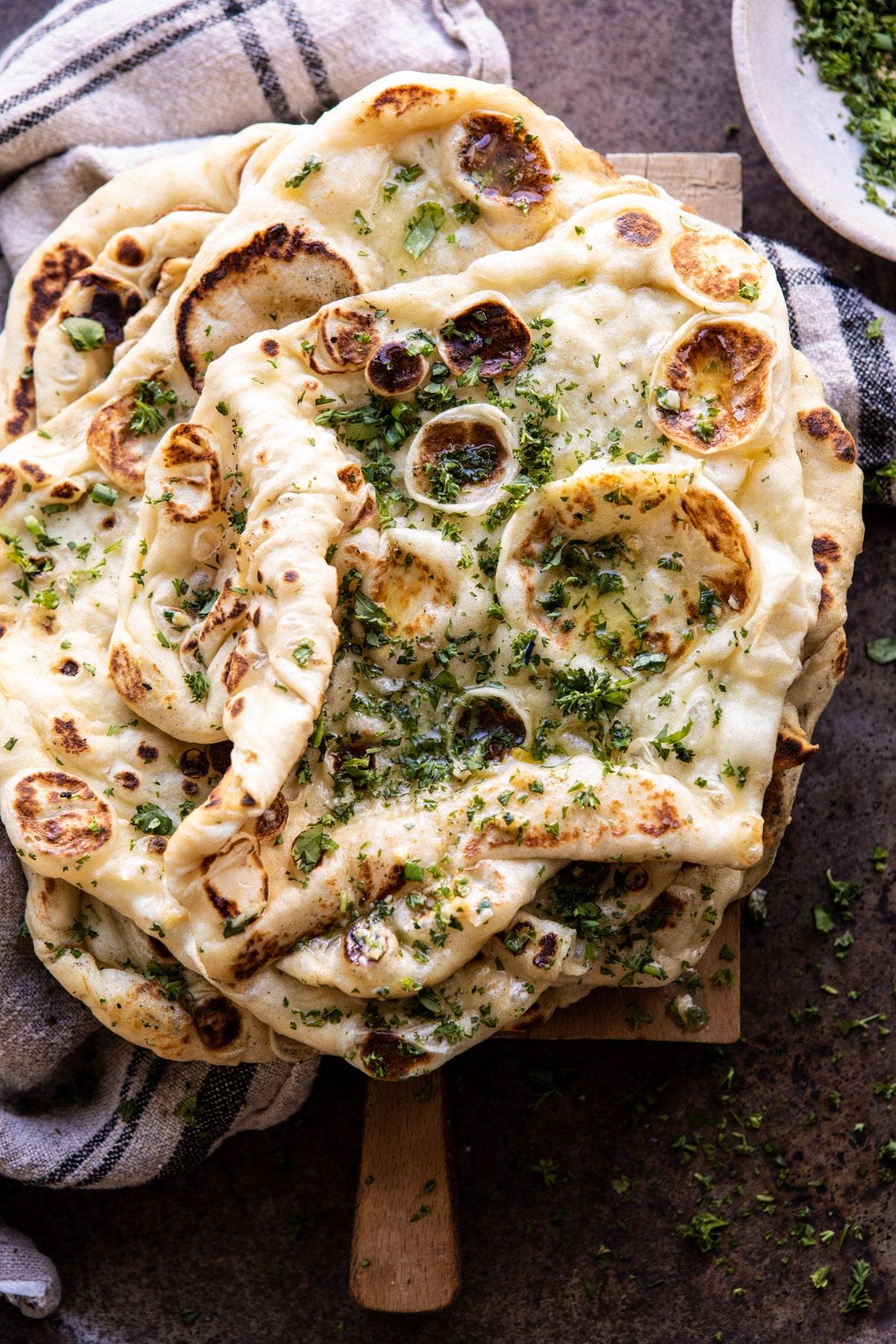 Naan bánh mì nướng