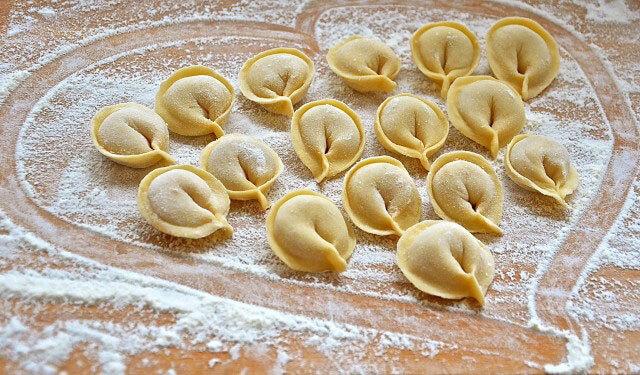 Bánh hạnh phúc Pelmeni