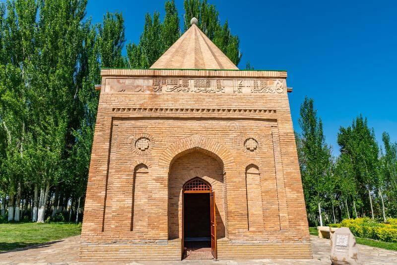 Các lăng mộ Babaji
