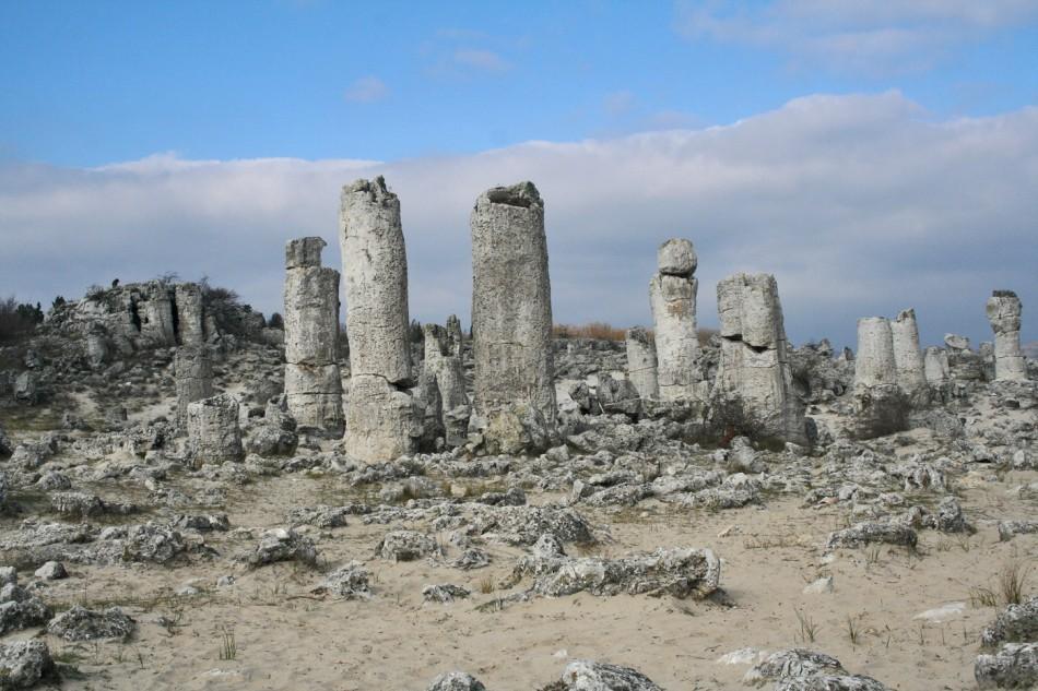 Bãi đá Pobiti Kamani